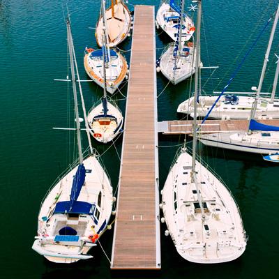 Defense de quai maritime